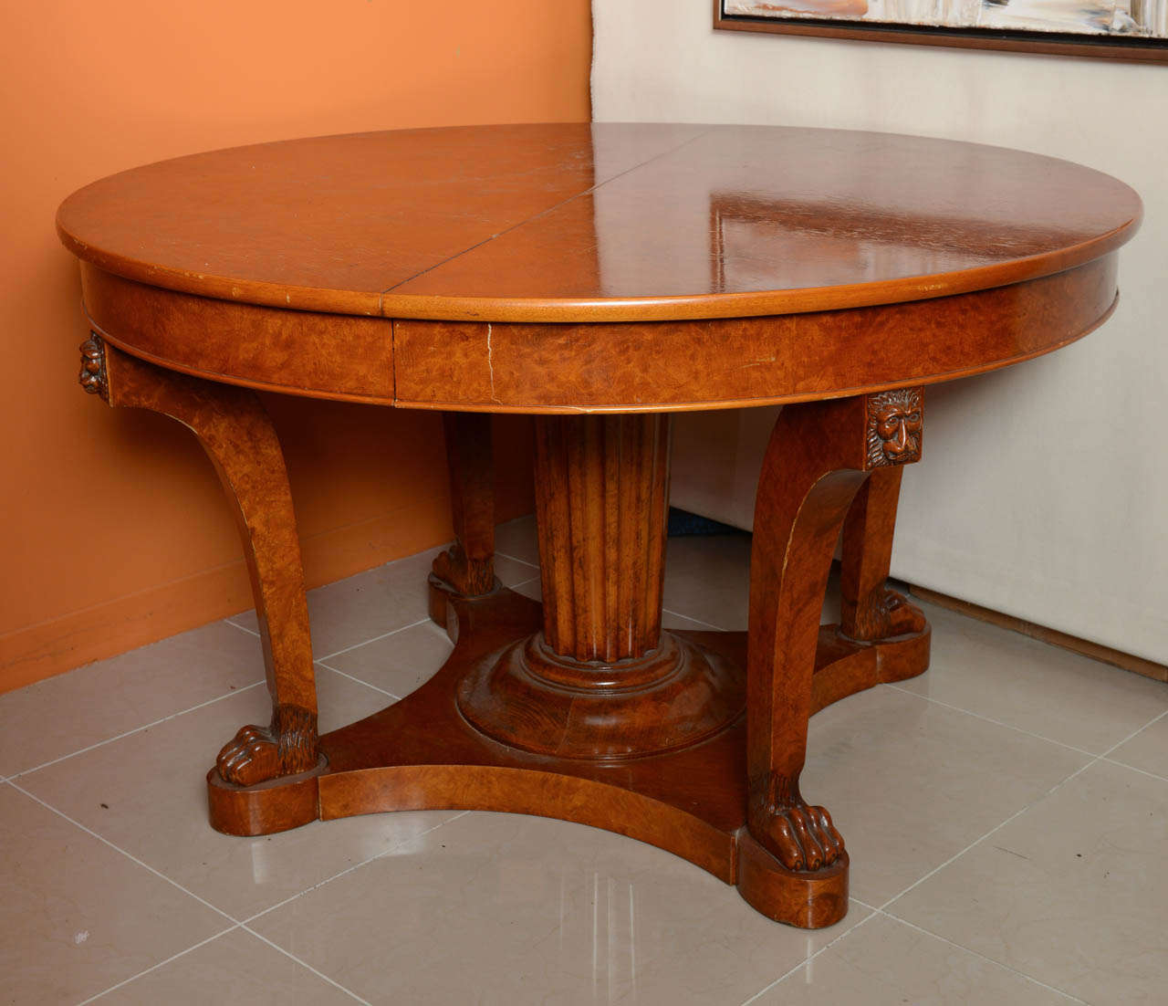 French Empire Revival Burled Walnut and Walnut Extension Dining Table In Excellent Condition For Sale In Miami, FL
