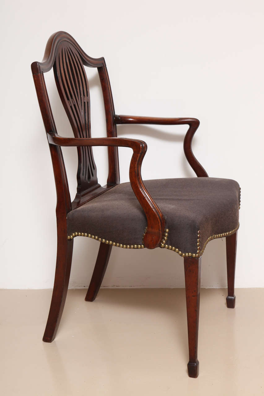 George III Mahogany Armchair in the Manner of Hepplewhite For Sale 1