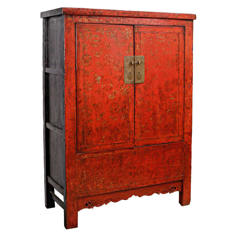 Chinese cabinet with gilt painting at 1stdibs for Sideboard lindholm