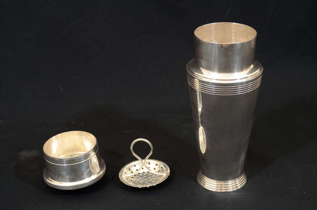 Keith Murray for Mappin & Webb Cocktail Shaker For Sale 1