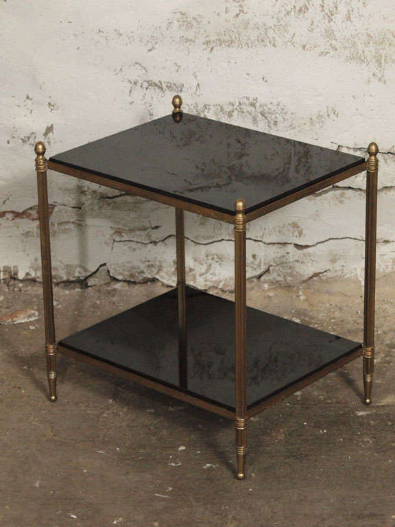 20th Century Pair Of Elegant French Brass And Black Granite Side Tables For  Sale