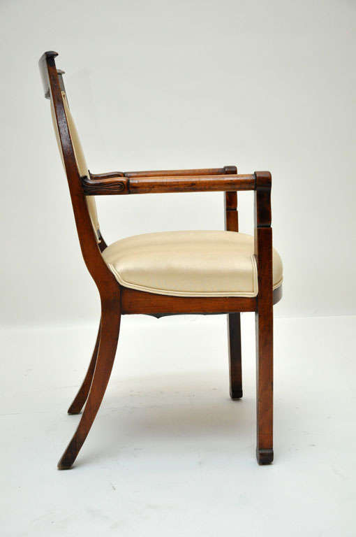 Pair of Empire Mahogany Consulate Chairs, France, 1800 In Good Condition For Sale In Chicago, IL