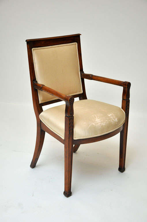 French Pair of Empire Mahogany Consulate Chairs, France, 1800 For Sale