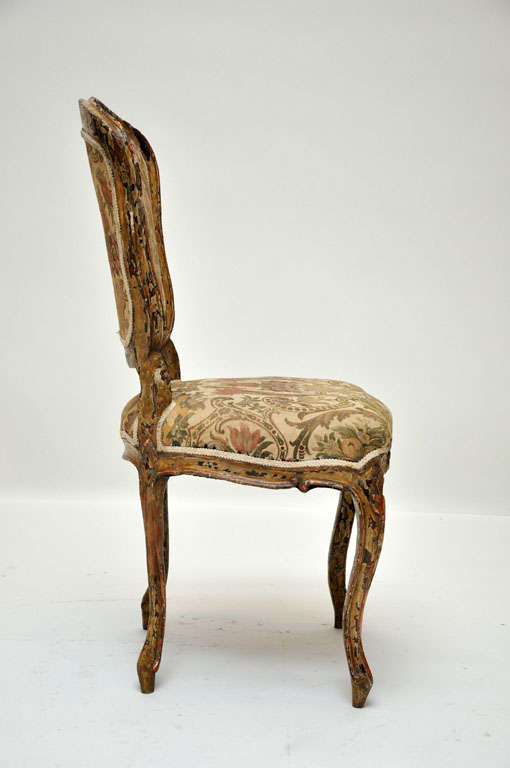 Hand-Carved Pair of French Rococo Painted Louis XV Style Chairs For Sale
