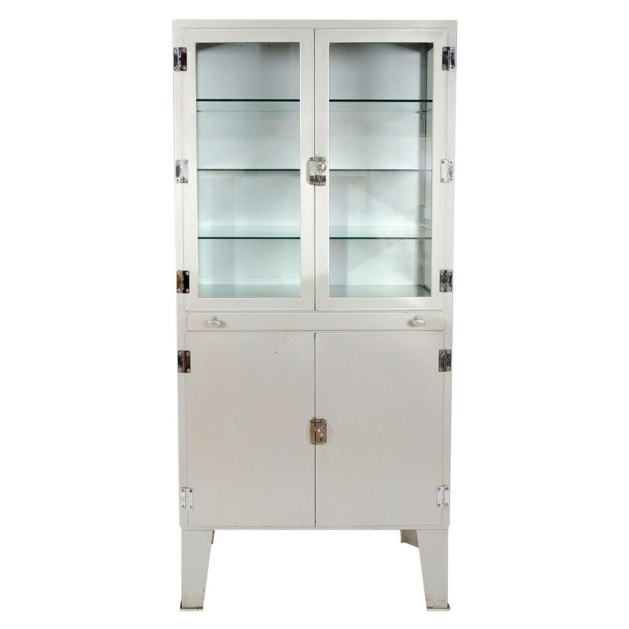 Vintage 1950s Metal Medicine Cabinet at 1stdibs - 1950s Metal Medicine Cabinet At 1stdibs