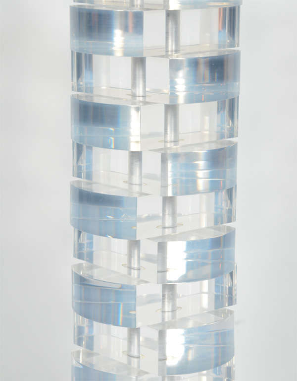 Polished Mid-Century Modern Stacked Lucite Block Lamp For Sale