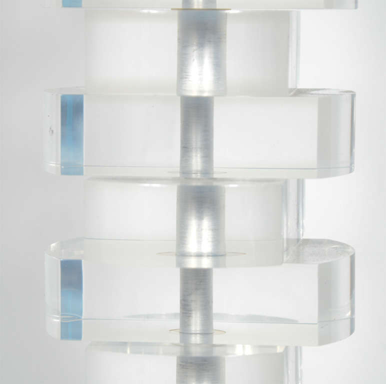 Late 20th Century Mid-Century Modern Stacked Lucite Block Lamp For Sale
