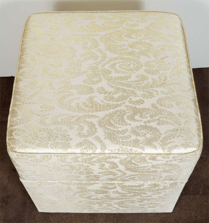 Hollywood Regency Damask Silk Ottoman / Vanity Stool In Excellent Condition For Sale In Stamford & Hollywood Regency Damask Silk Ottoman / Vanity Stool at 1stdibs
