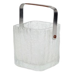 Vintage Ice Bucket with Textured Ice Cube Design