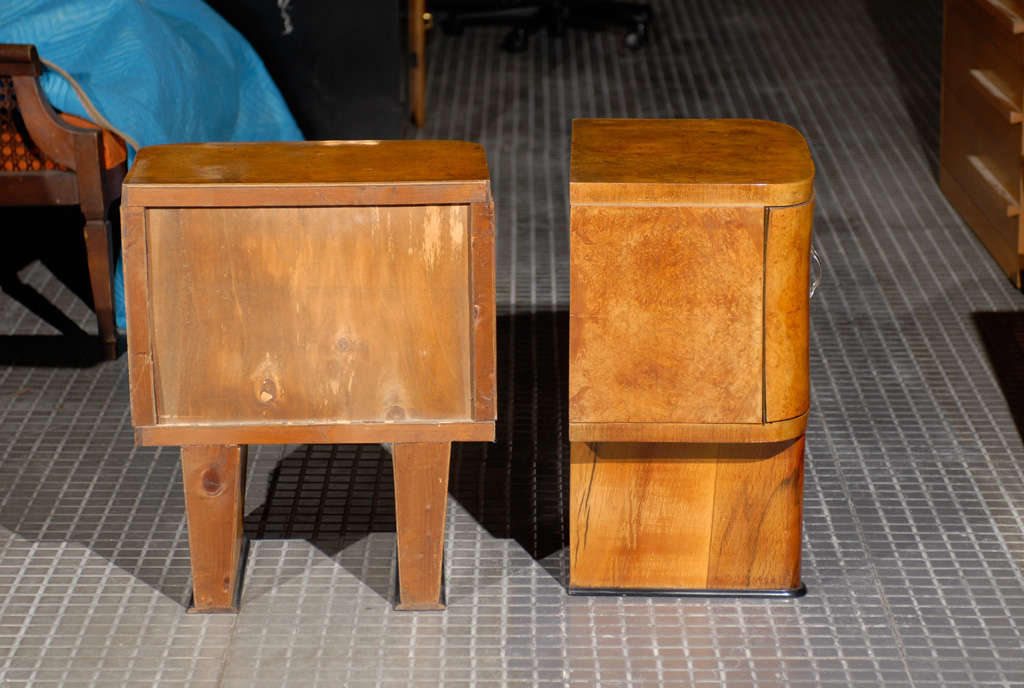 Exquisite Restored Pair Of Art Deco Small Cabinets In Walnut In Excellent Condition For Sale In Atlanta, GA