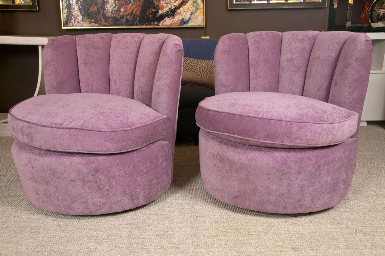 Pair Of 1940u0027s Swivel Lounge Chairs Upholstered In Purple Velvet In  Excellent Condition For Sale In