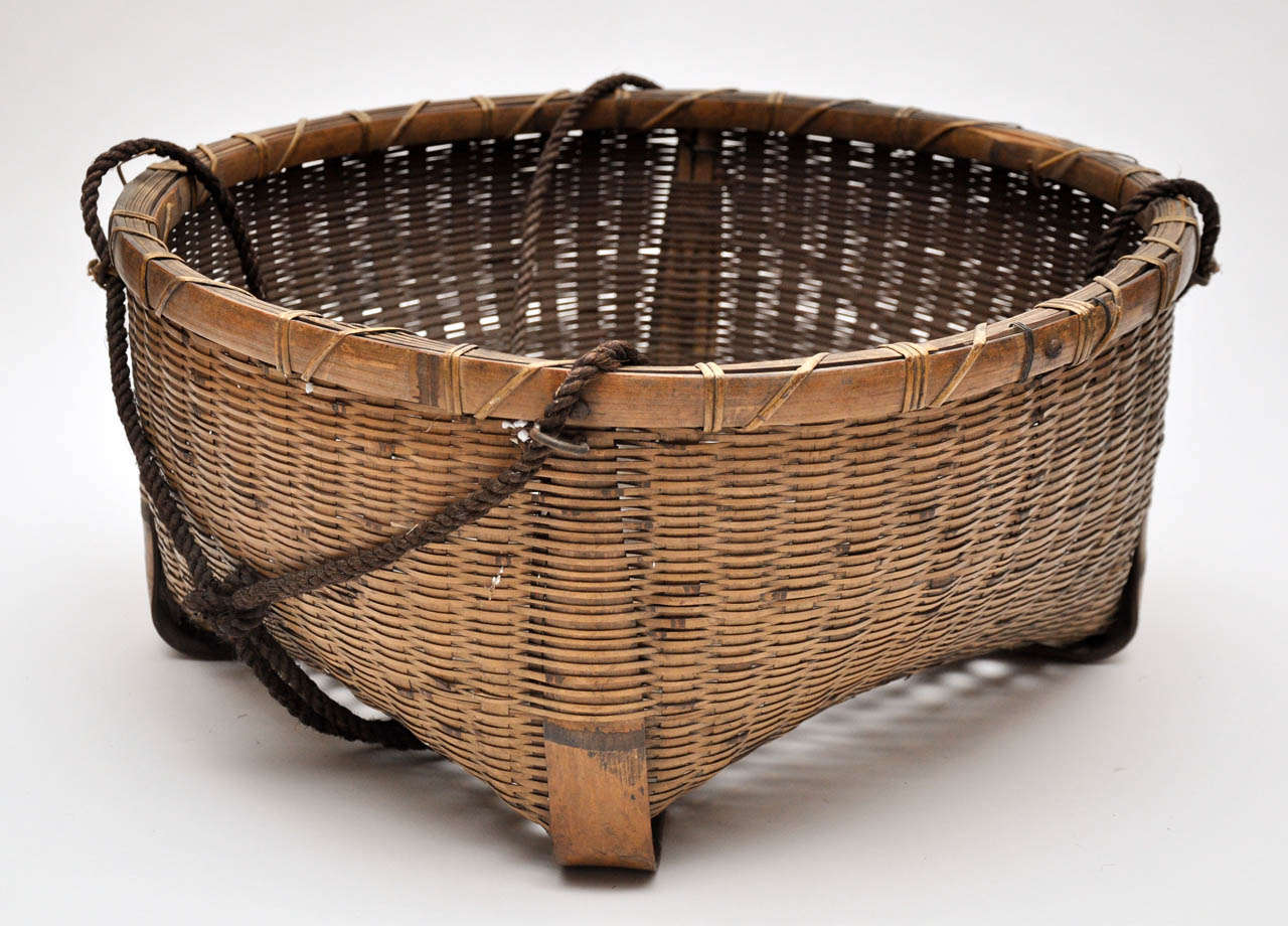 20th Century Japanese Fishing Basket For Sale 2