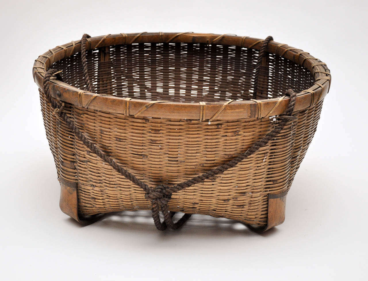 20th Century Japanese Fishing Basket For Sale 3