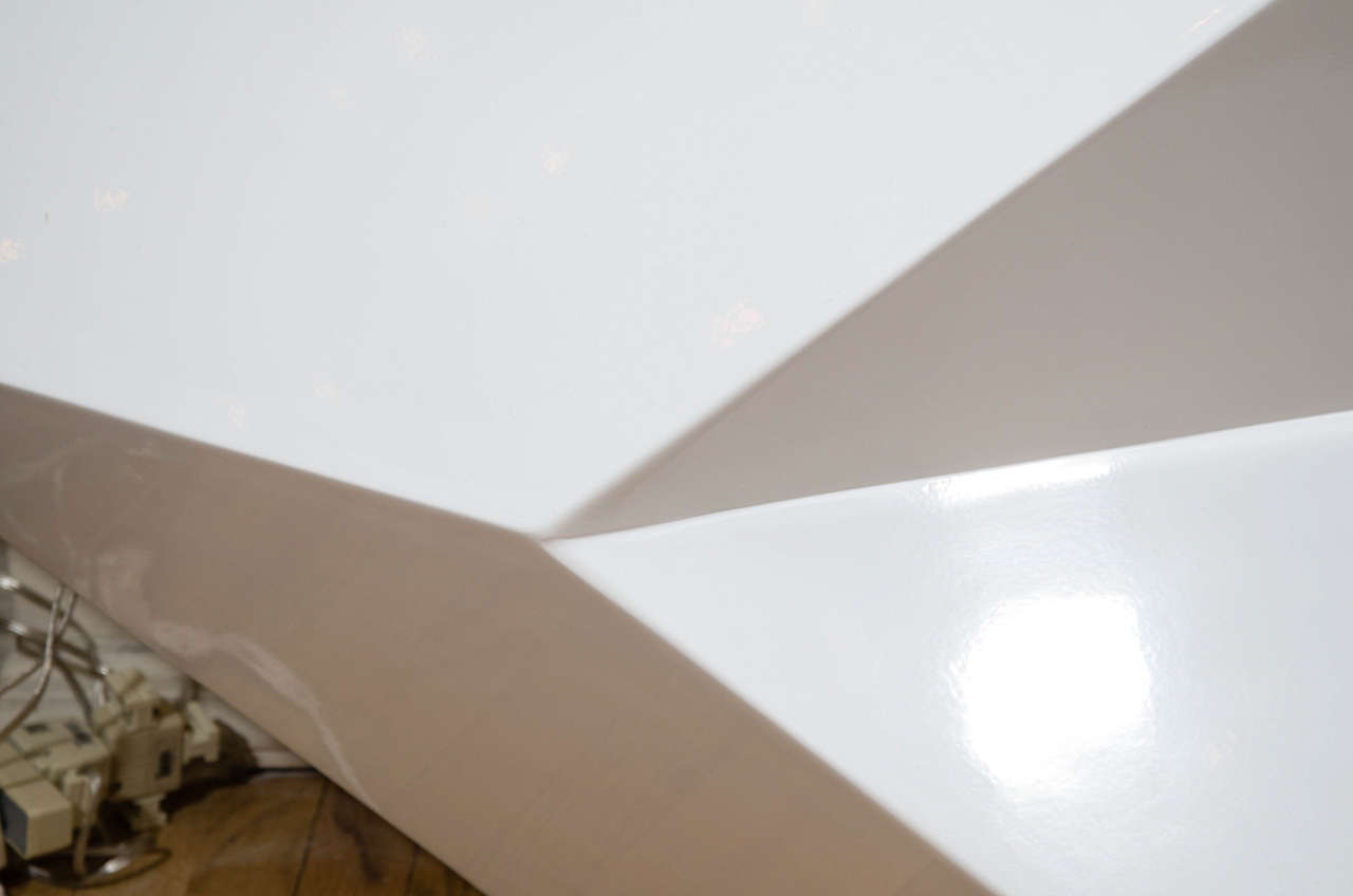 Angular Cantilevered White Lacquered Wood Console For Sale