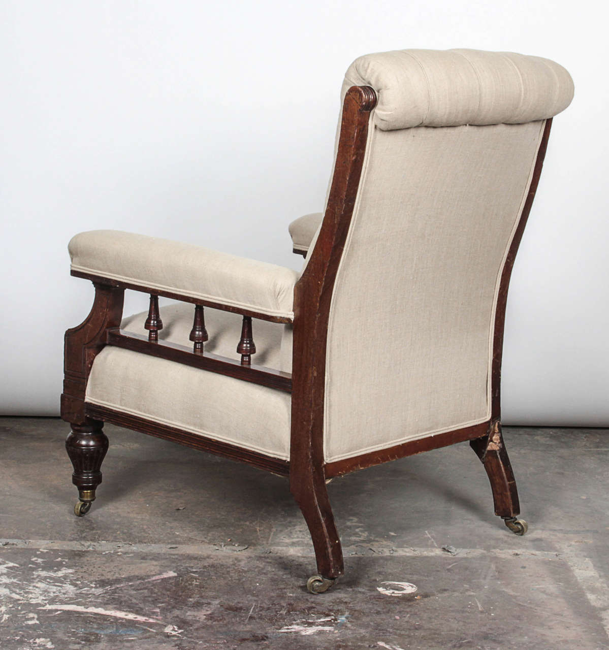 19th Century Pair of Victorian Mahogany and Button-Tufted Armchairs For Sale