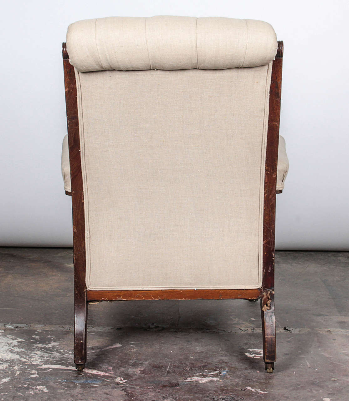 Pair of Victorian Mahogany and Button-Tufted Armchairs For Sale 1