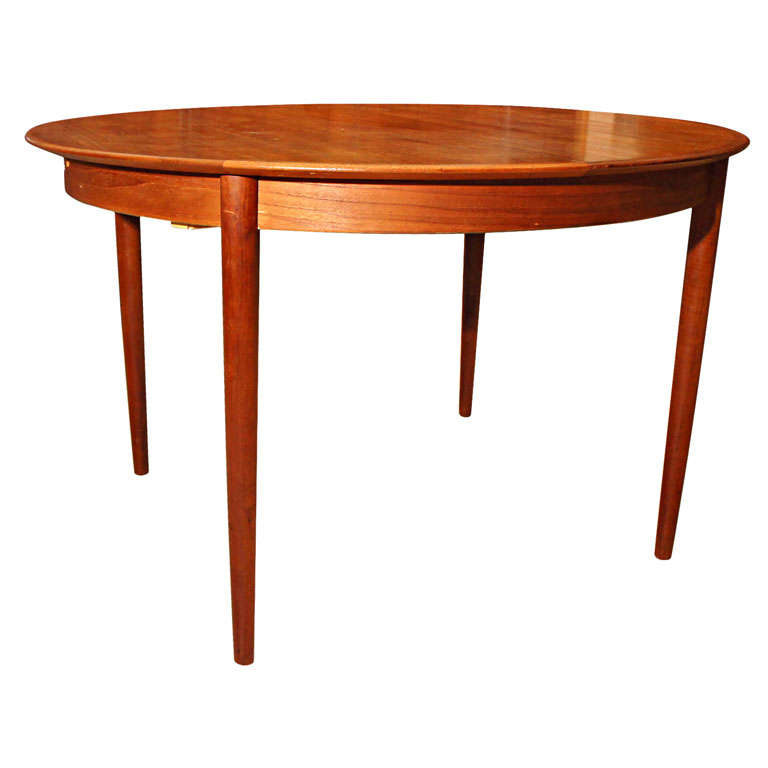 Danish modern round teak dining table at 1stdibs for Danish modern dining room table