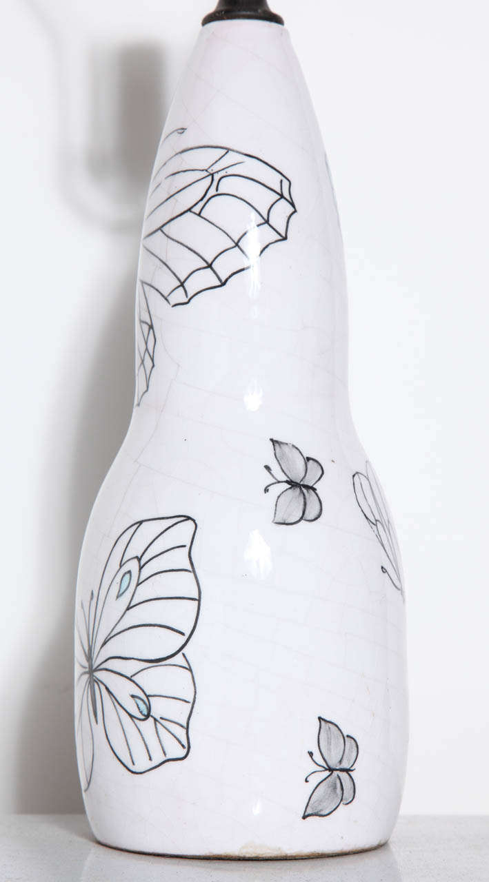 Italian Ernestine of Salerno White Majolica Lamp with Black line Butterflies, 1940's  For Sale