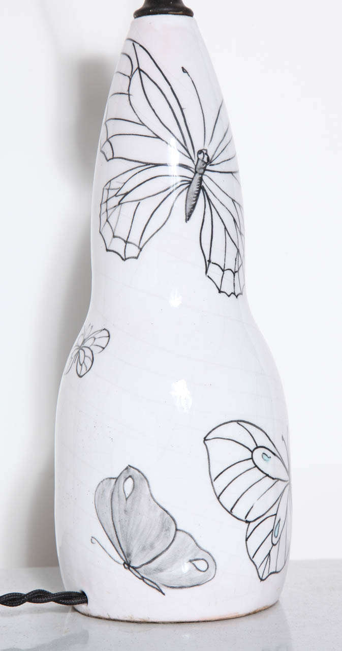 Ernestine of Salerno White Majolica Lamp with Black line Butterflies, 1940's  In Good Condition For Sale In Bainbridge, NY