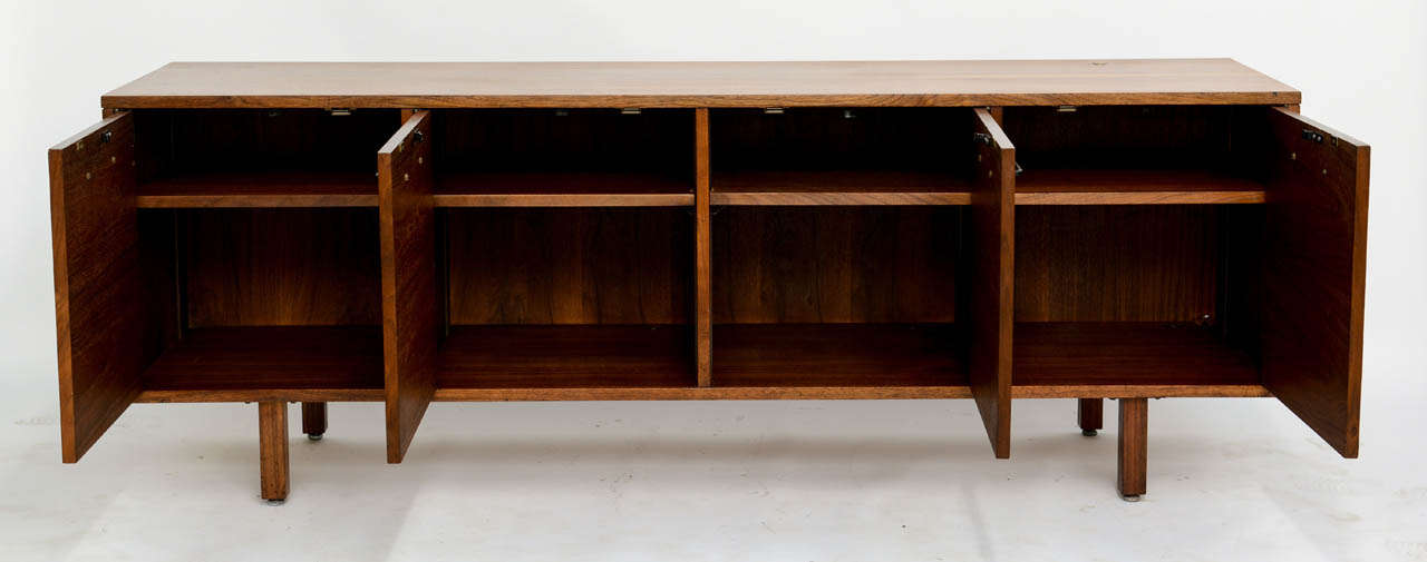 Smart Jens Risom Modern Walnut Long Four-Door Credenza Sideboard 1960s In Excellent Condition For Sale In Miami, FL