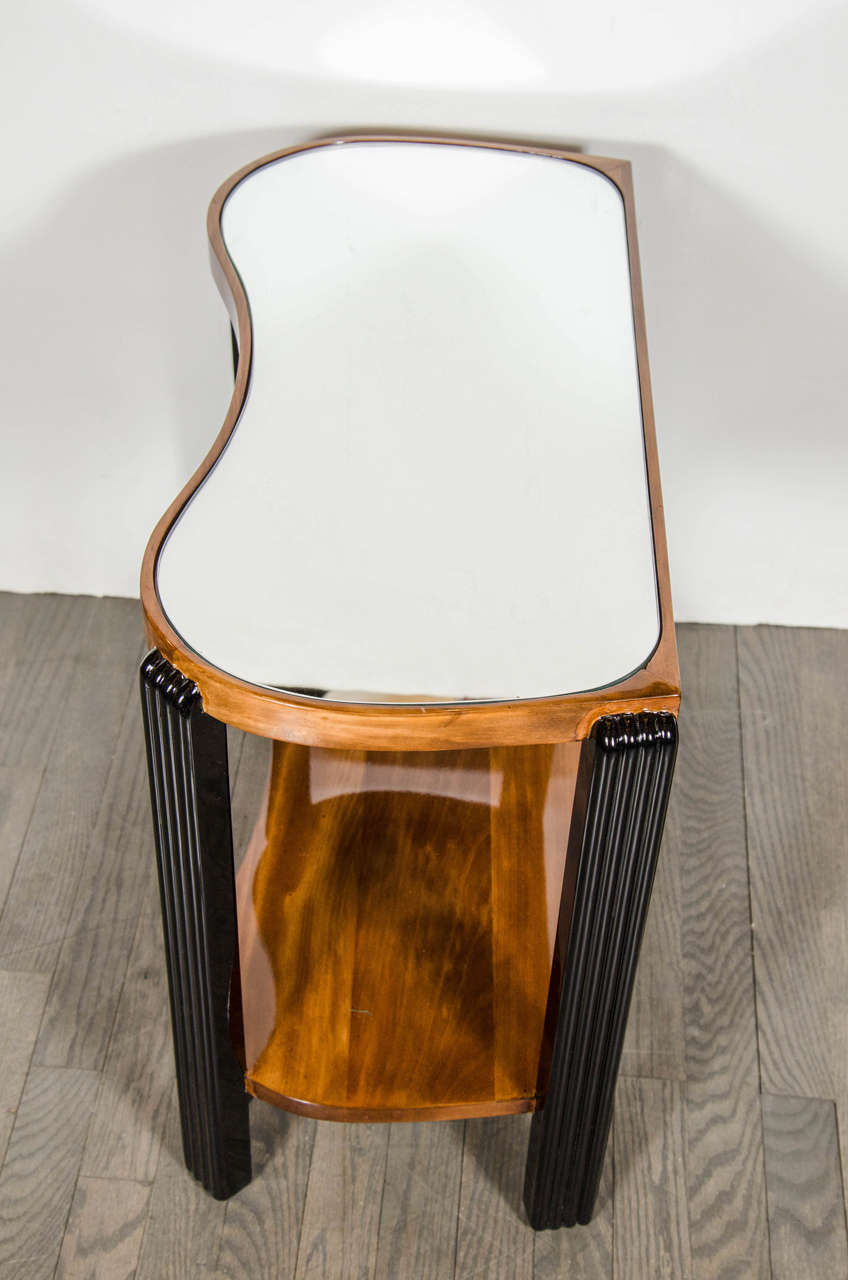 Art Deco Machine Age Side Table with Streamline Reeded Leg Design For Sale 3