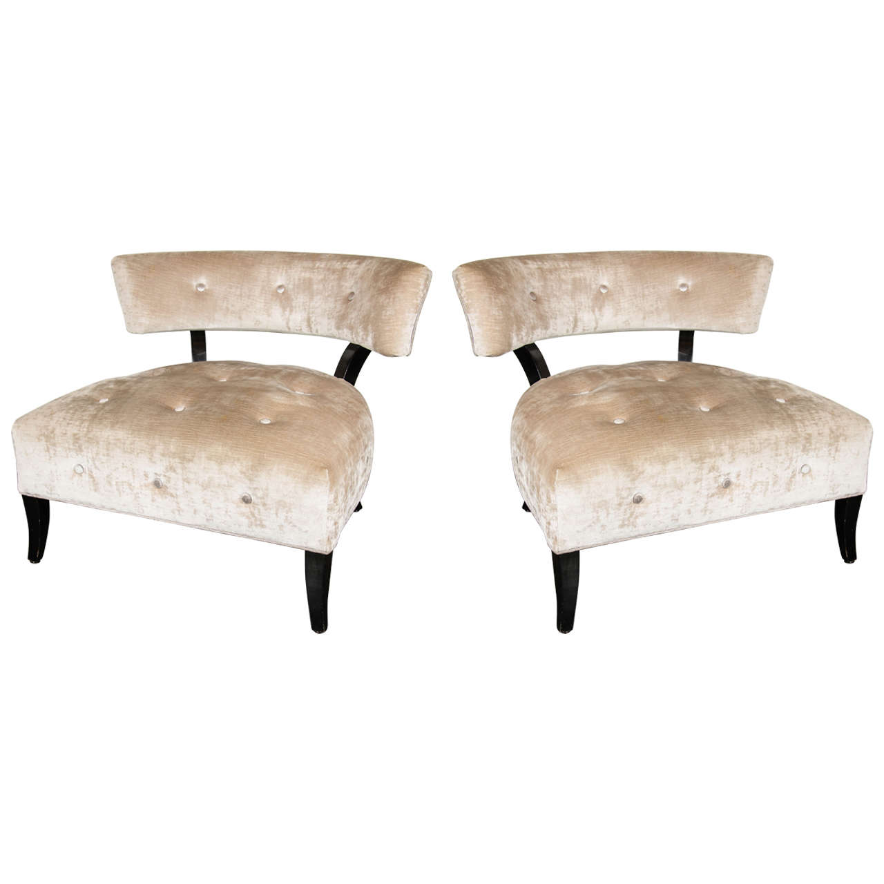 Elegant Pair Of Curved Back Klismos Chairs In The Style Of William Haines At 1stdibs