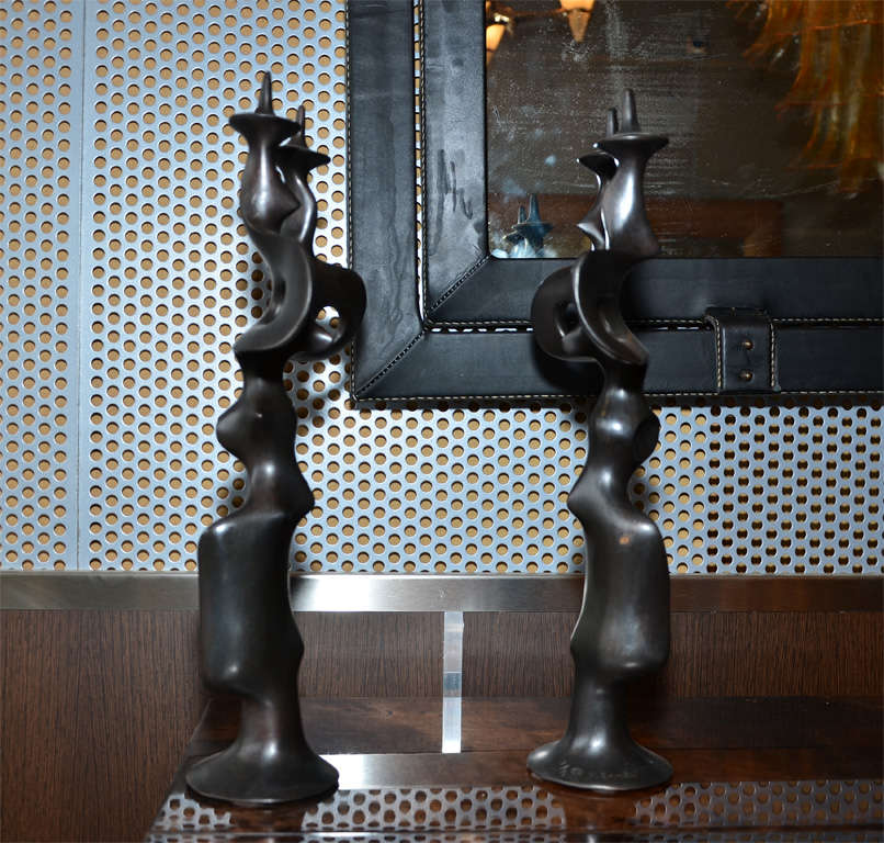 Pair of Candle Sticks in Patinated Bronze by Victor Roman In Excellent Condition For Sale In Bois-Colombes, FR