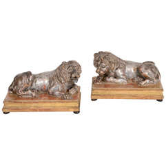 A Pair of Early 19th Century Carved Lions