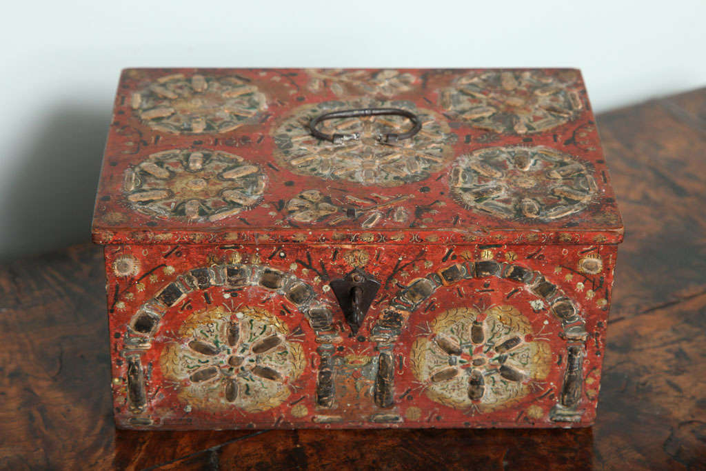 17th Century Painted Folk Art Scandinavian Box For Sale 5