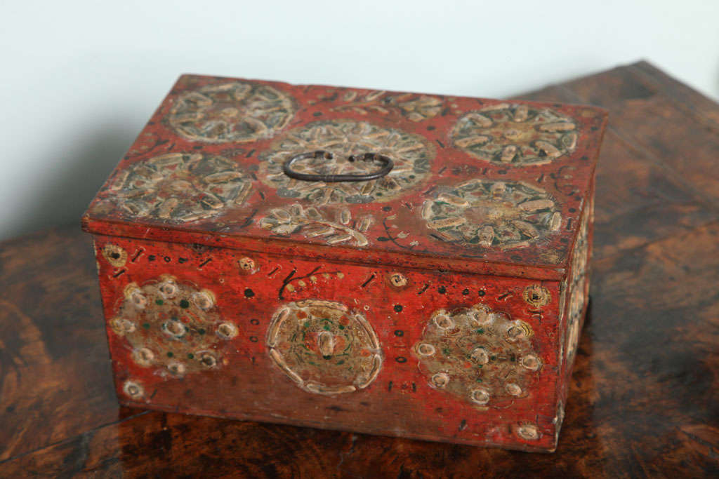 17th Century Painted Folk Art Scandinavian Box For Sale 1