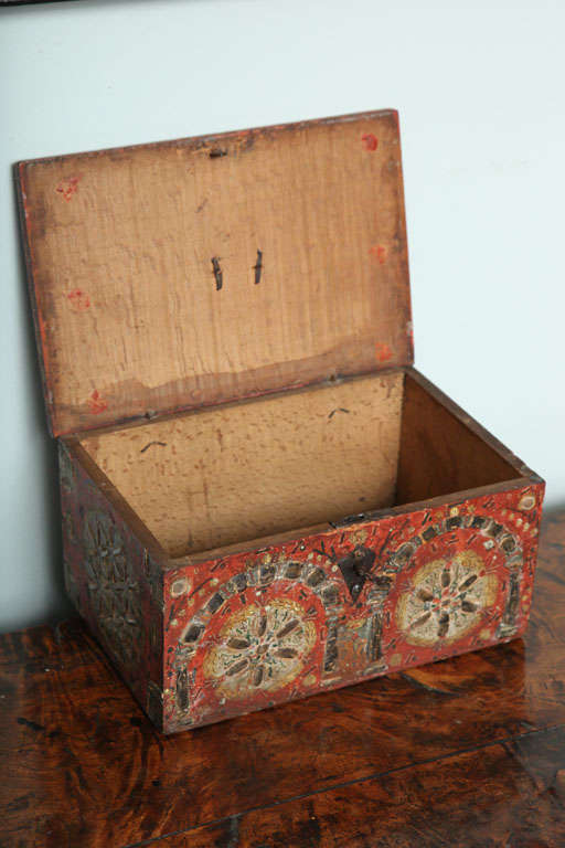 17th Century Painted Folk Art Scandinavian Box For Sale 3