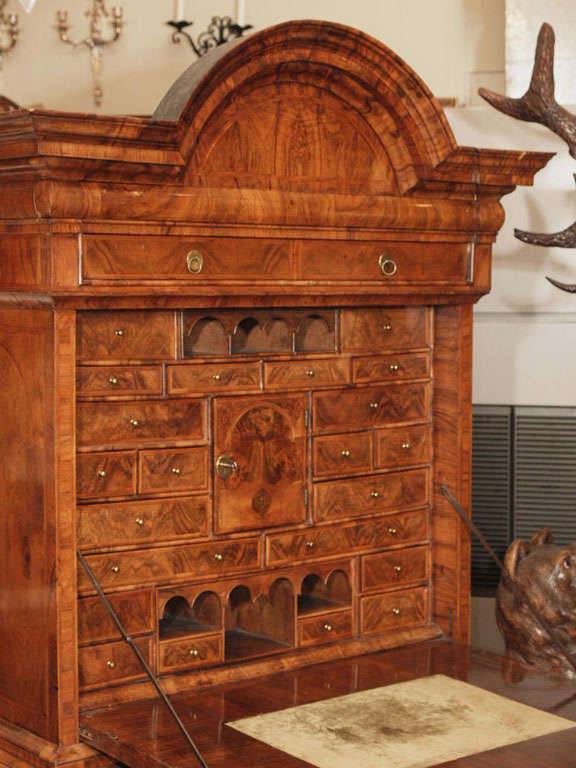 Antique Early 18th Century English Burled Walnut Fall-Front Desk For Sale 7