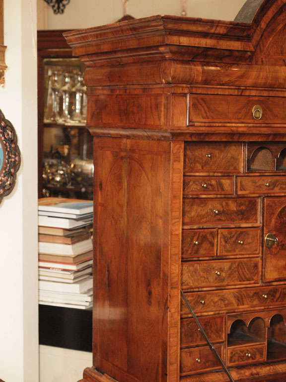 Antique Early 18th Century English Burled Walnut Fall-Front Desk For Sale 1