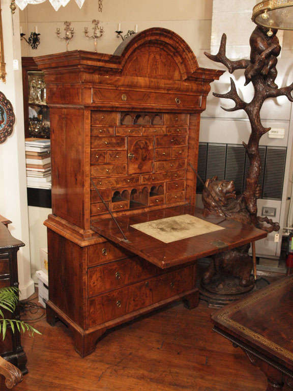 Antique early 18th century English burled walnut fall-front desk. Superb veneers and banding. Measures: Fall-front is 28