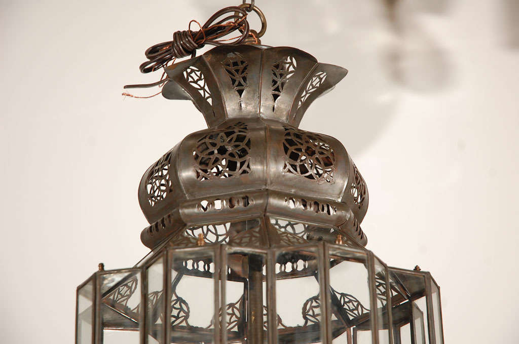Moroccan Moorish Clear Glass Lantern In Good Condition For Sale In Los Angeles, CA