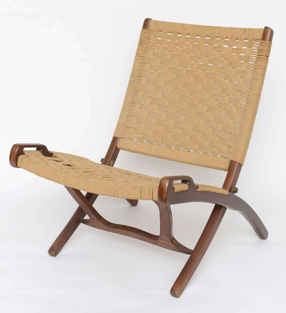 Mid Century Modern Pair Of Wegner Woven Folding Rope Chairs 1950s For Sale