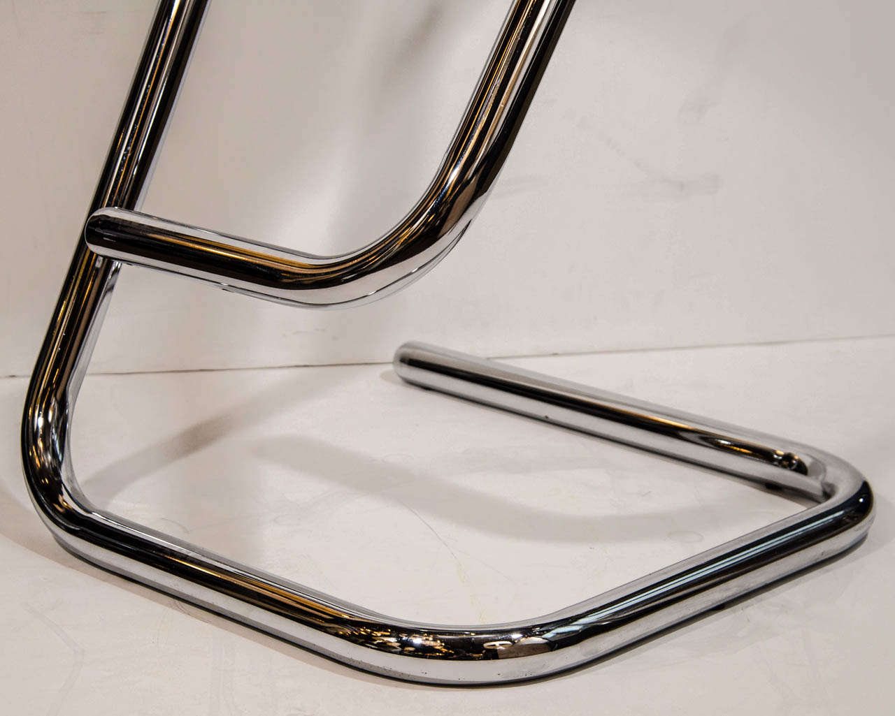 Pair Of Italian Modernist Lucite Bar Stools With Tubular