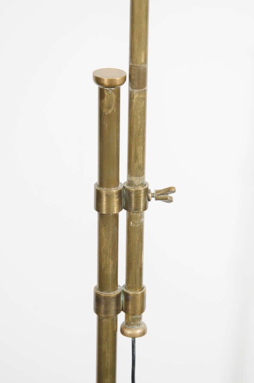 midcentury brass floor lamp with adjustable pole for sale at 1stdibs. Black Bedroom Furniture Sets. Home Design Ideas