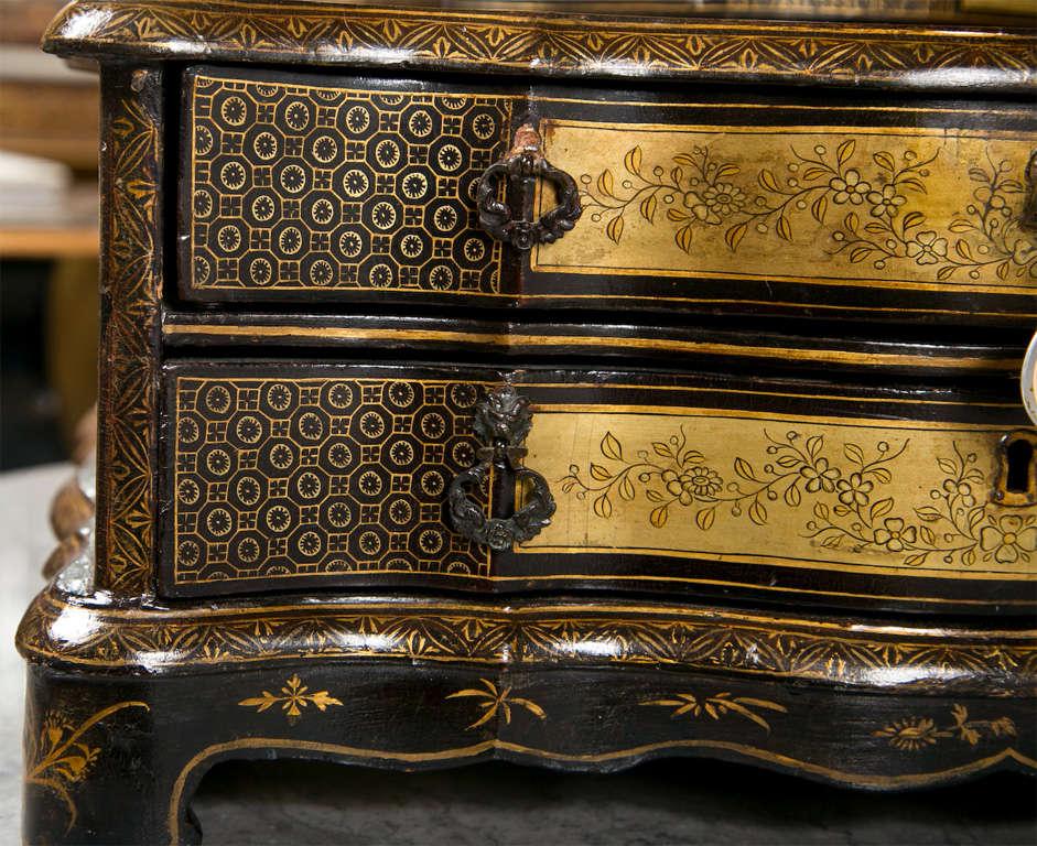 English Attractive 19th Century Oriental Vanity Table Mirror For Sale
