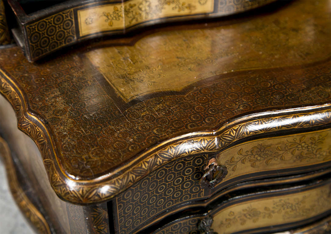 Attractive 19th Century Oriental Vanity Table Mirror In Fair Condition For Sale In Stamford, CT