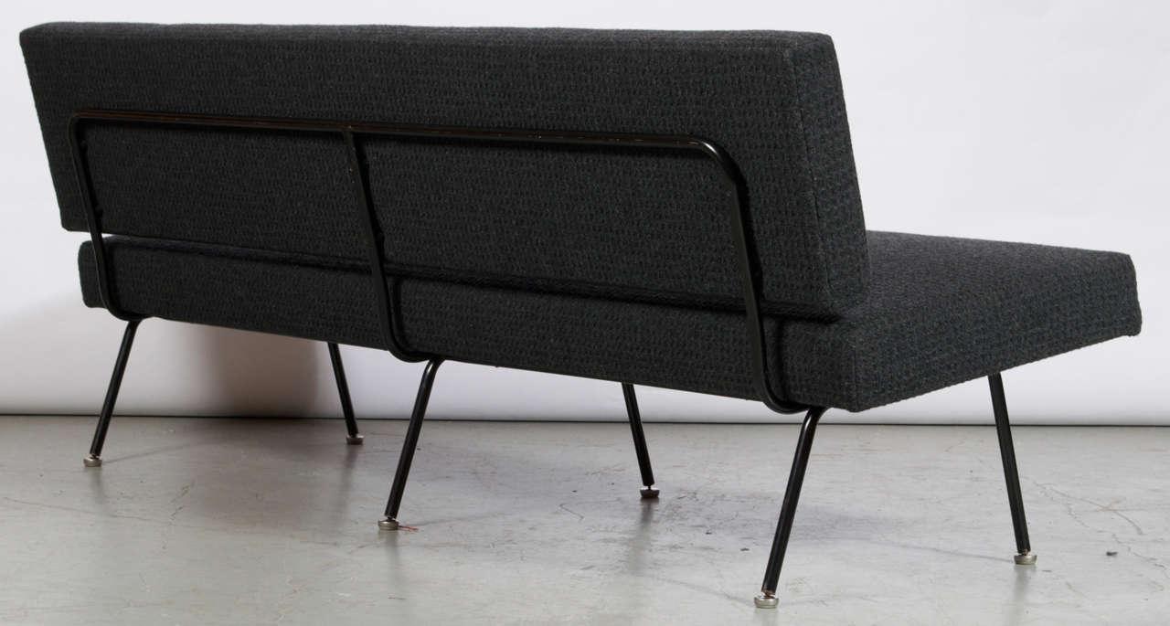 florence knoll sofa model 32 at 1stdibs. Black Bedroom Furniture Sets. Home Design Ideas