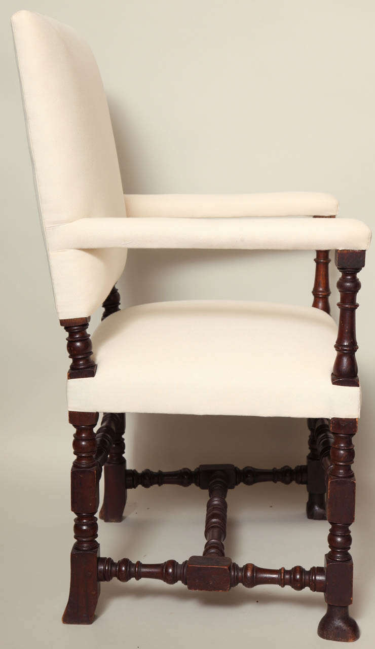 Set of eight baroque style dining chairs at 1stdibs for Baroque style dining chairs