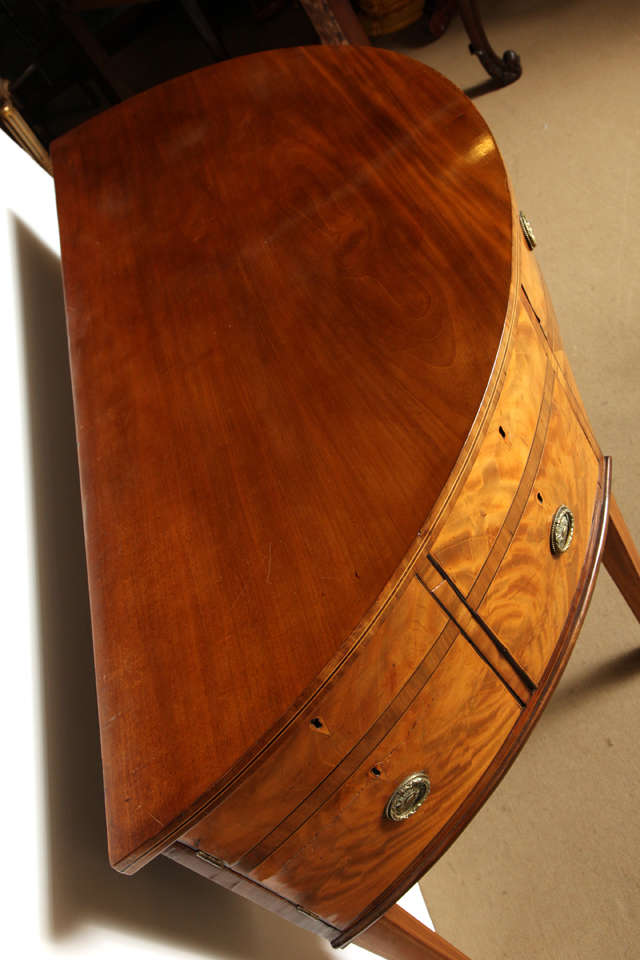 18th Century English, Satinwood Demi-Lune Serving Table Circa 1790 For Sale 3