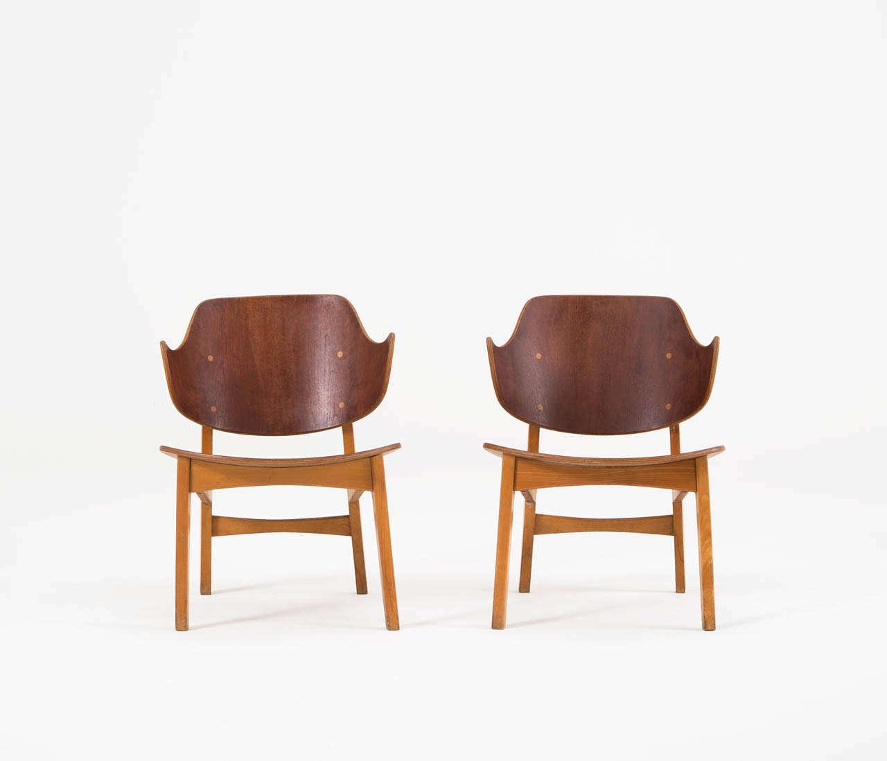 Scandinavian Modern Pair of Plywood Lounge Chairs by Ib Kofod-Larsen