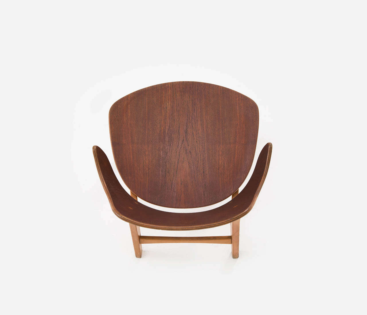 Mid-20th Century Pair of Plywood Lounge Chairs by Ib Kofod-Larsen