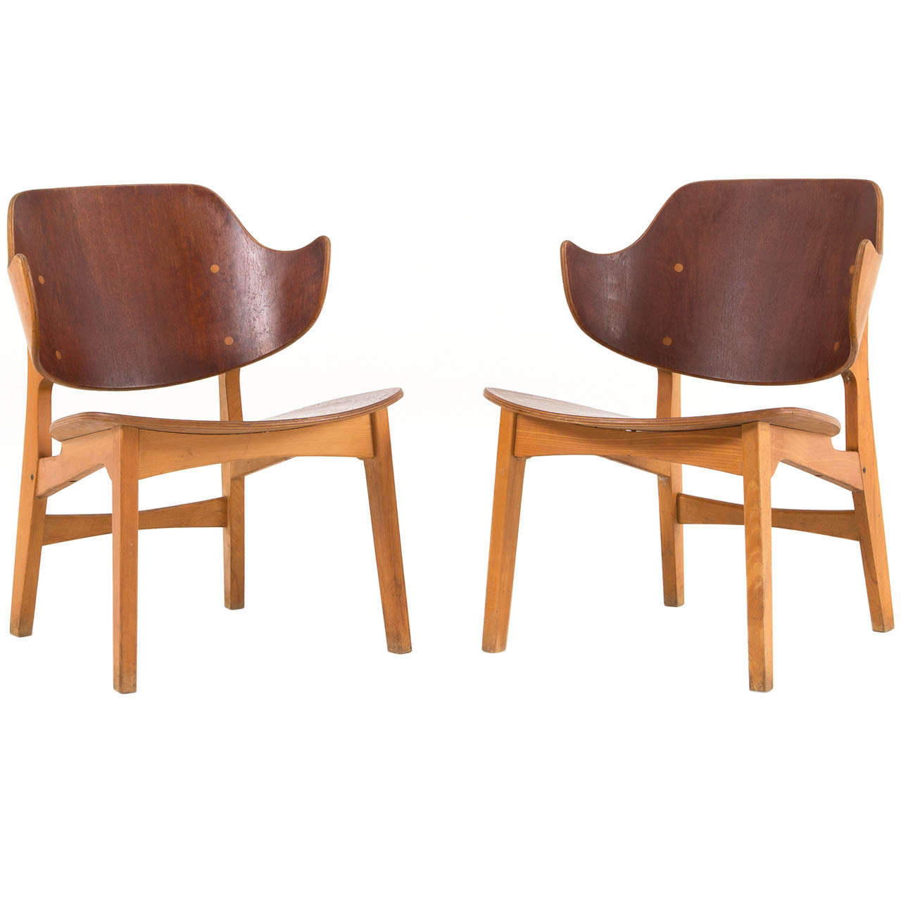 This sculptural pair of lounge chairs by ib kofod larsen is no longer - Pair Of Plywood Lounge Chairs By Ib Kofod Larsen 1