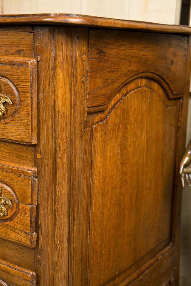 18th Century French Oak 3 Drawer Chest For Sale 2