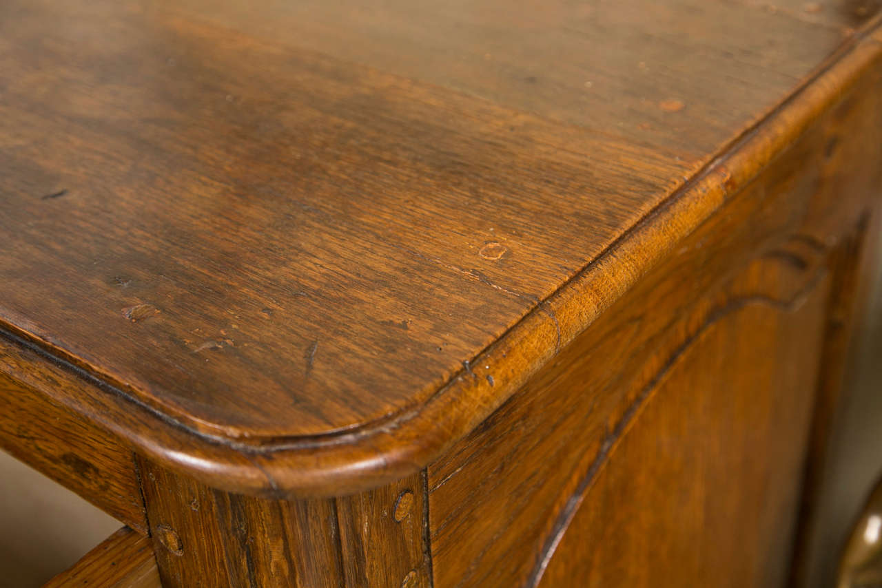 18th Century French Oak 3 Drawer Chest For Sale 4