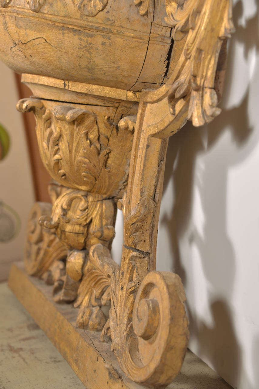 Large 18th Century Louis XVI Carved Urn For Sale 1