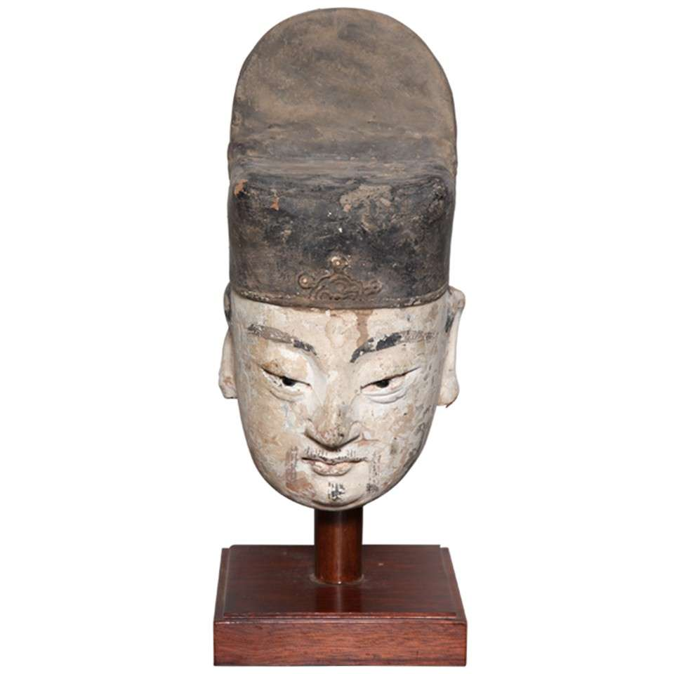 16th Century Ming Dynasty Stucco Head of an Official with Original Paint